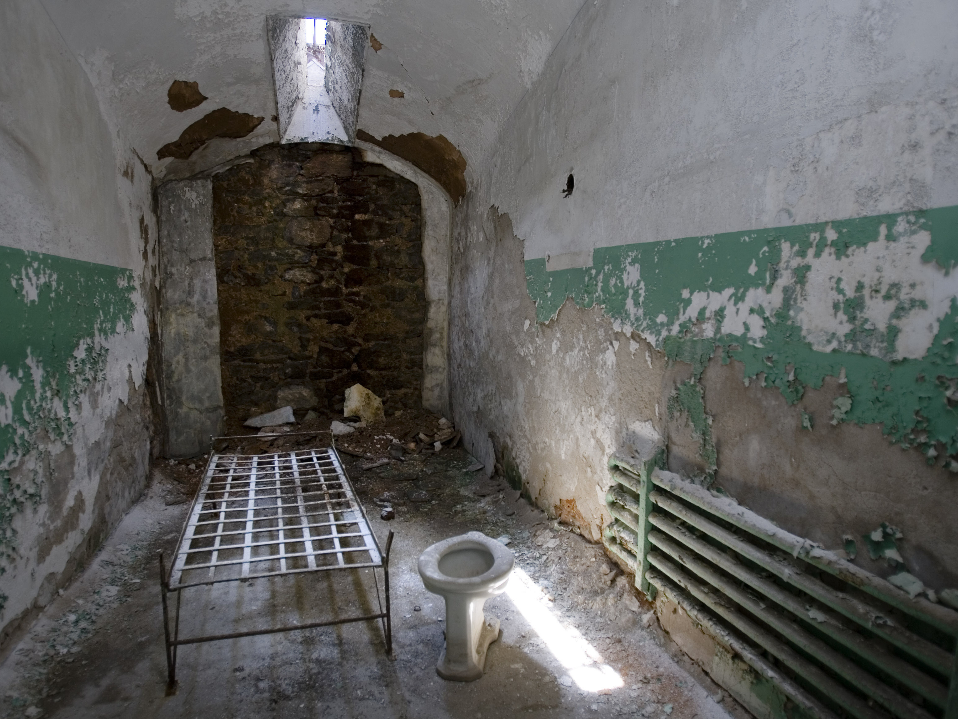 eastern_prison_cell